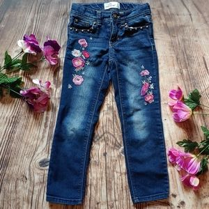 Little Girls 5 floral embroidered jeans jordache